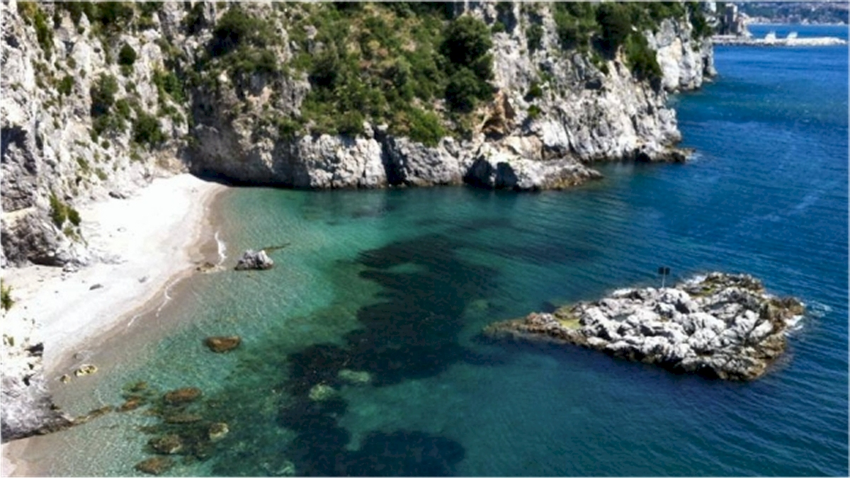 Caugo beach Amalfi Coast