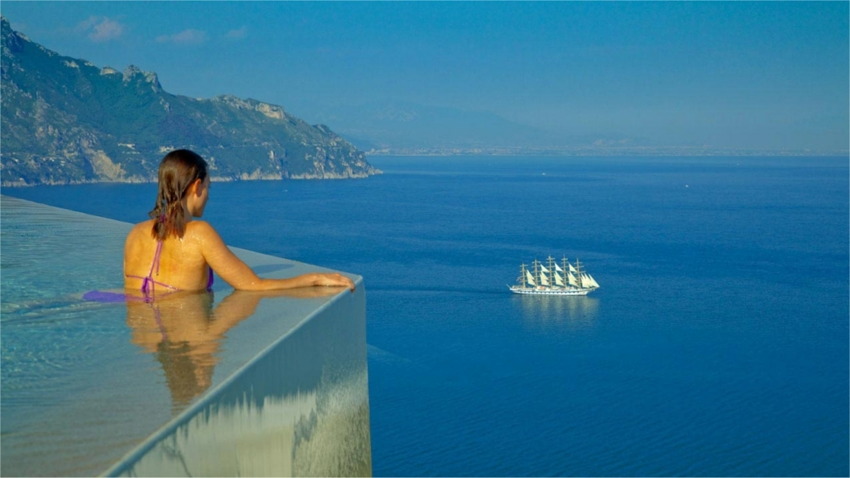 Infinity pool at Amalfi Coast